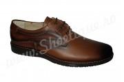 Pantofi maro cu siret din piele naturala
